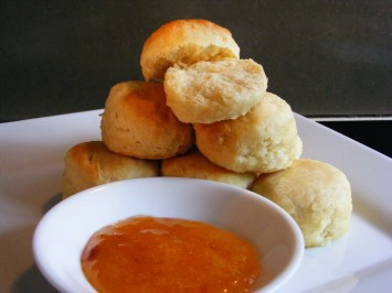 Scones with homemade nectarine jam